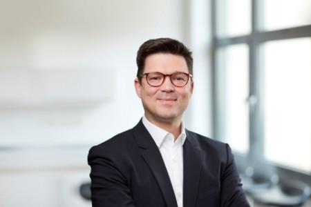 Porträtfoto von Thorsten Ehrhard
